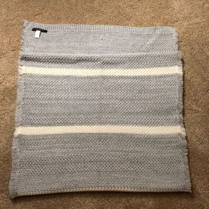 BR Light Grey/Cream Striped Blanket Scarf